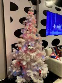 Beatles Christmas Tree-min
