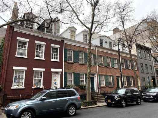 Houses Greenwich Village-min